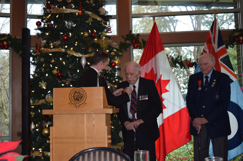 Christmas lunch chevalier presentation at the air force for Air force decoration points