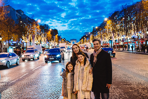 Sarah Bancroft and her family on Champs Elysées - JPEG