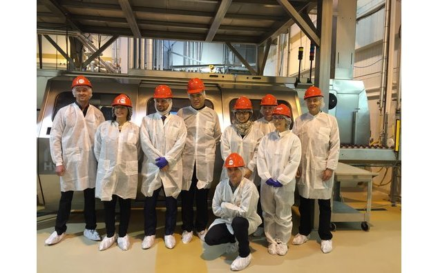 Visit of the French delegation at the Food Processing Center in Alberta